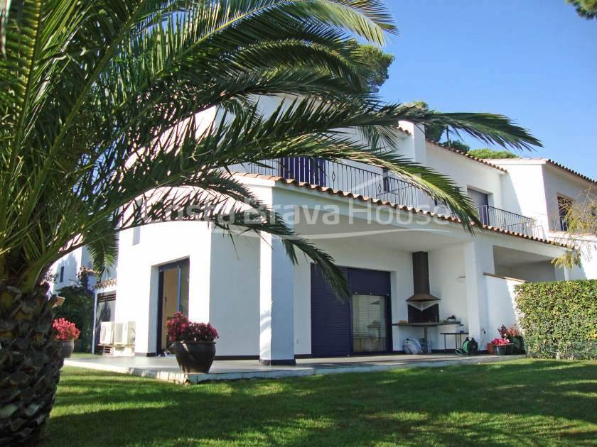 0135-01-0135-semi-detached-house-to-buy-in-pals-costa-brava-2r.jpg