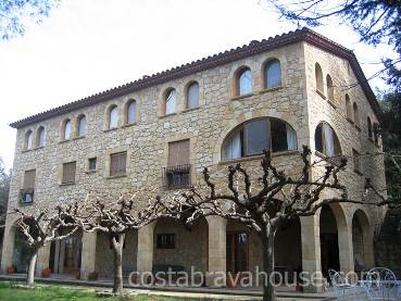 Masia for sale al baix Emporda, in Sant Marti Vell, closeby Monells and Flaça. Magnificent property consisting out of a new main building, w