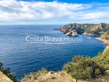 Superb plot of more than 60,000 m² in first line of sea in Begur, with unique sight to the coves of Aiguablava and Fornells