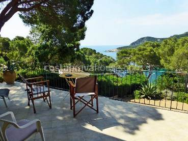 House for sale in Tamariu in privileged location with sea views