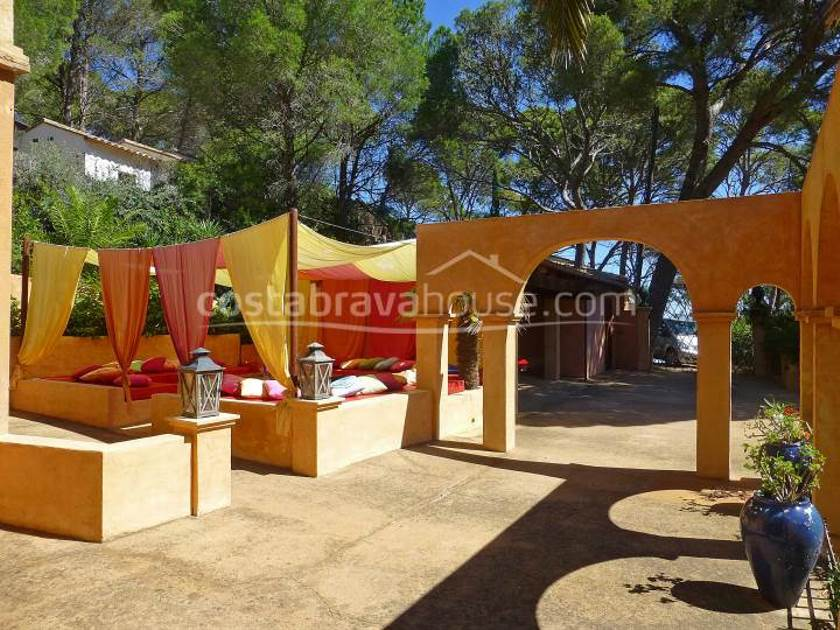 1863-12-1863-luxury-house-with-sea-views-for-sale-begur-sa-riera-costabrava-18r.jpg