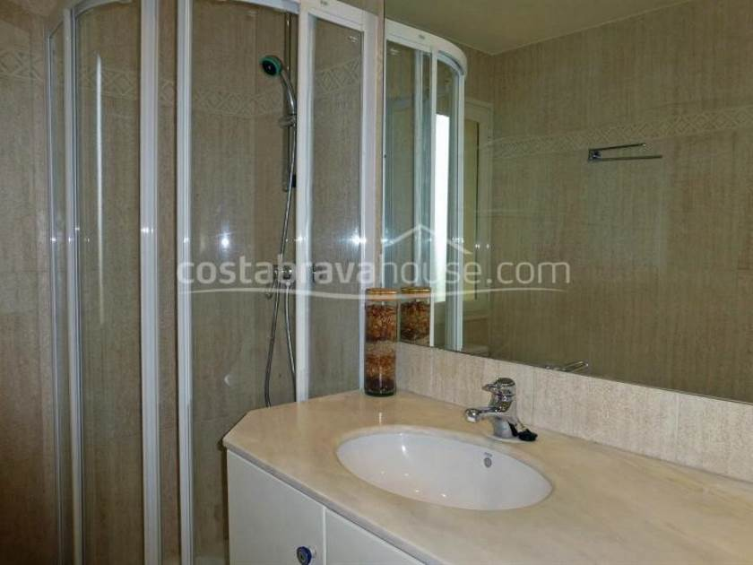 1913-12-1913-seafront-apartment-for-sale-in-sagaro-costa-brava-04r.jpg