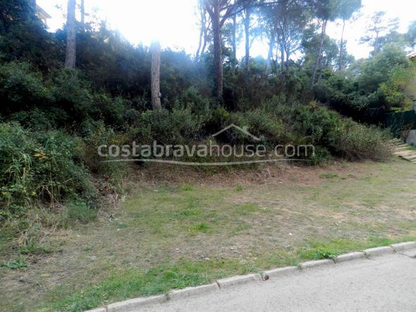 1932-02-1932-plot-near-the-beach-for-sale-in-tamariu-costa-brava-1r.jpg