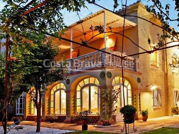 5 bedroom boutique hotel for sale in Baix Empordà
