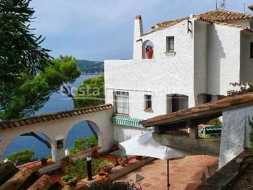 Mediterranean house with marvellous sea views for sale in Llafranc