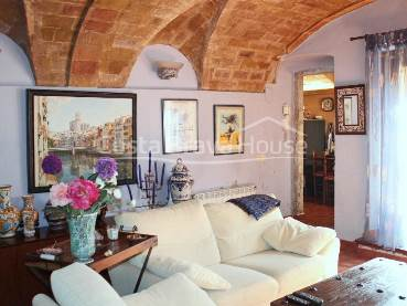"""Beautiful rustic style stone house completely renovated, 2 min from the center of Begur, with 210 sqm courtyard and garage """
