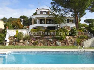 Mediterranean house with pool for sale in Calonge 5 min from the beach