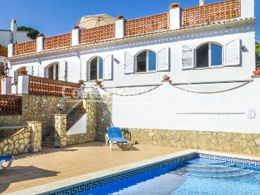 House with sea views and pool 5 min from the beach of Pals