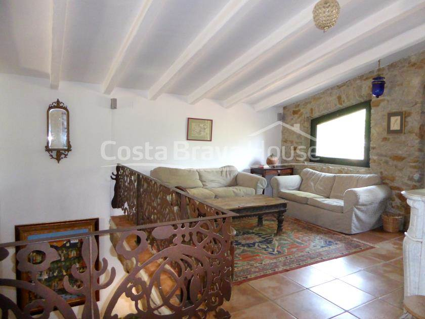 2163-14-2163-20-set-of-two-catalan-farmhouses-for-sale-near-girona-r.jpg
