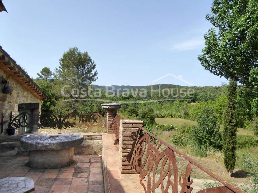 2163-20-2163-26-set-of-two-catalan-farmhouses-for-sale-near-girona-r.jpg