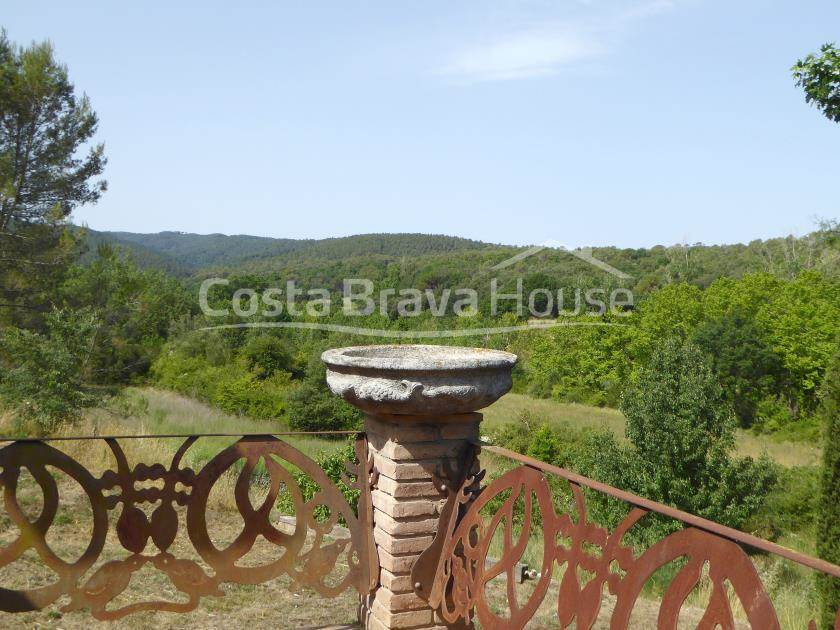 2163-21-2163-27-set-of-two-catalan-farmhouses-for-sale-near-girona-r.jpg