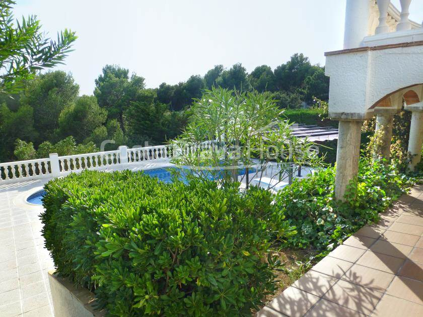 2175-08-2175-09-house-with-pool-for-sale-in-costa-brava-tamariu-r.jpg