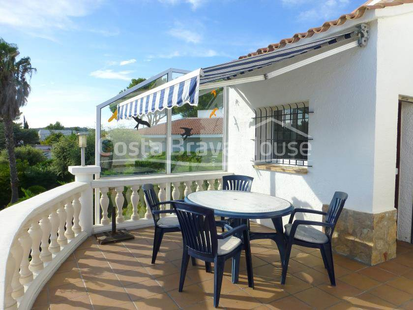 2175-12-2175-13-house-with-pool-for-sale-in-costa-brava-tamariu-r.jpg