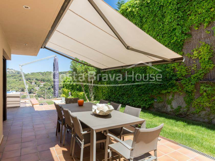 2184-08-2184-kz-08-house-with-pool-and-sea-views-in-tamariu-costa-brava-r.jpg