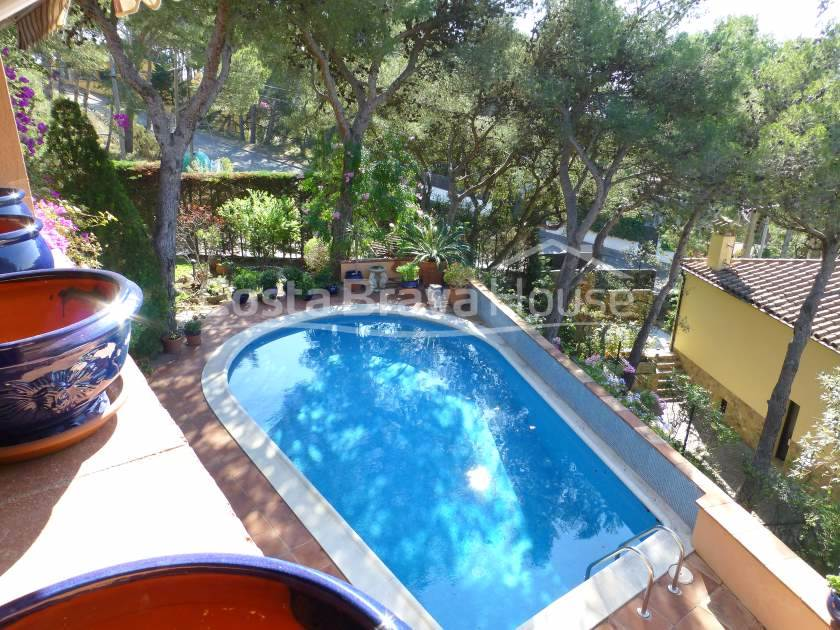 2196-19-2196-22-buy-house-with-pool-in-tamariu-costa-brava-r.jpg