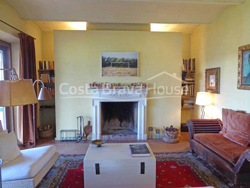 2205-18-2205-22-catalan-stone-farmhouse-with-3-hectares-of-land-in-baix-emporda-r.jpg
