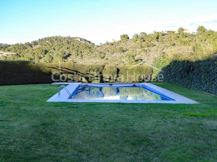 2225-14-2225-14-semidetached-house-with-garden-and-pool-in-tamariu-r.jpg