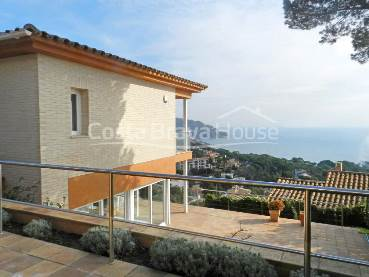 House with pool and sea views for sale in Calella, Golfet area