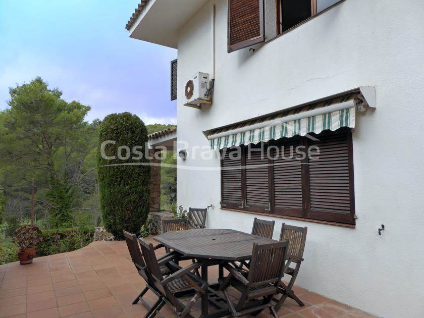 2311-10-2311-11-buy-house-with-pool-in-tamariu-costa-brava-r.jpg