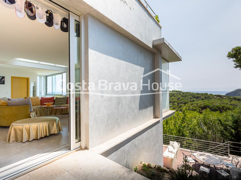 19-high-standing-house-in-tamariu-with-pool-and-sea-views-r