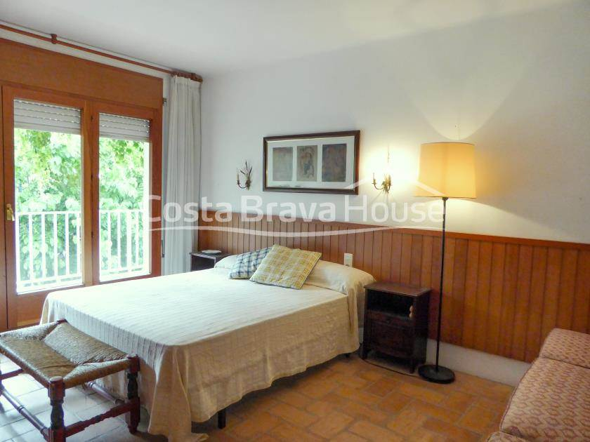 2401-11-2401-11-house-very-close-to-the-beach-with-3-apartments-for-sale-in-tamariu-r.jpg