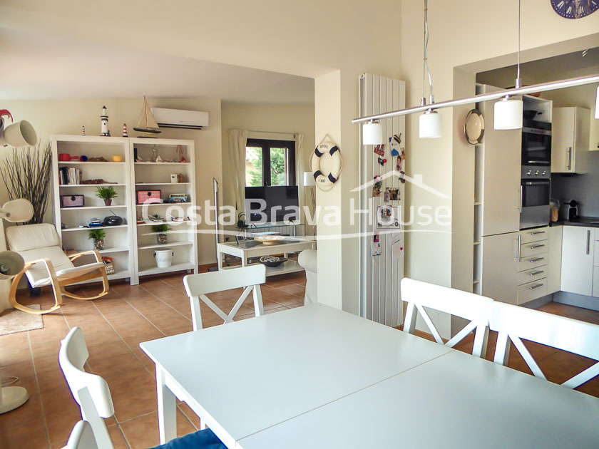 07-house-for-sale-in-residential-begur-3-min-from-downtown