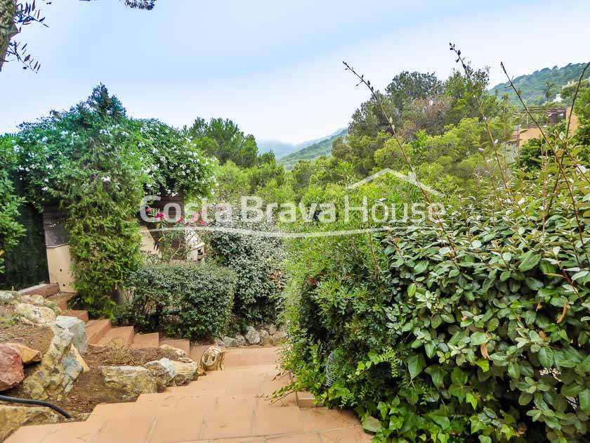 2425-15-2425-19-semi-detached-house-with-pool-for-sale-in-begur-cap-sa-sal-r.jpg