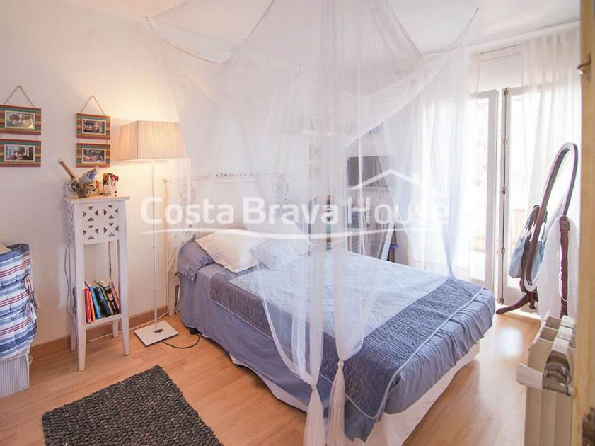 2440-19-2440-24-duplex-apartment-with-private-garden-and-communal-pool-in-calella-costa-brava-r.jpg