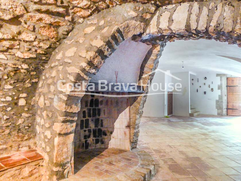 22-spectacular-property-for-sale-in-baix-emporda-r