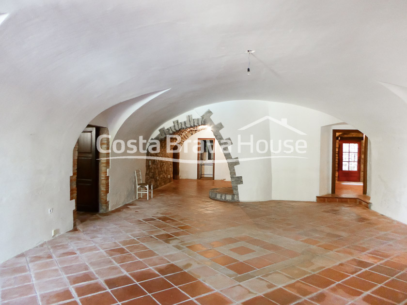 24-spectacular-property-for-sale-in-baix-emporda-r