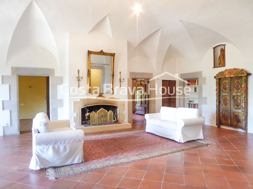 25-spectacular-property-for-sale-in-baix-emporda-r
