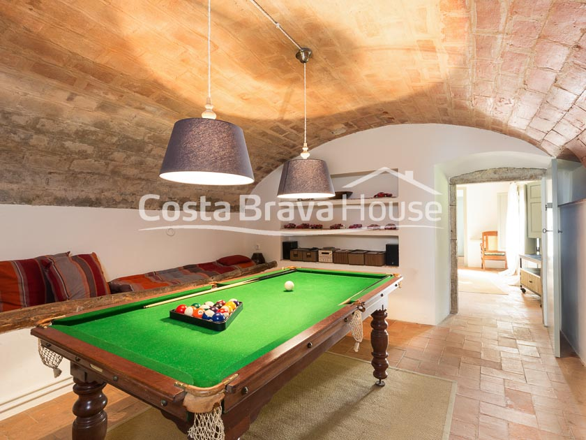 11-restored-stone-house-for-sale-charming-village-inland-costa-brava-r