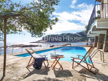 Front line villa for sale in Fornells, Aiguablava, Begur