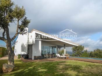 High standing house with sea view for sale in Mas Nou, Platja d