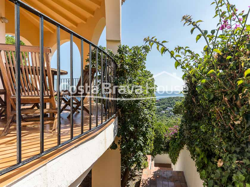 07-house-for-sale-in-tamariu-with-pool-and-sea-views-r