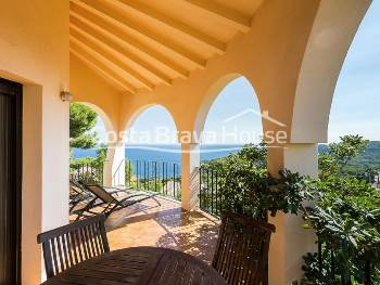 Mediterranean house for sale in Tamariu, Costa Brava, with fantastic sea views and pool in a pleasant corner of  Aigua Gelida urbanization
