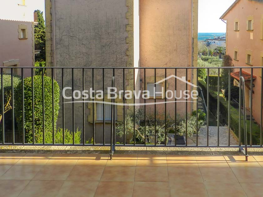 16-house-for-sale-in-calella-10-minutes-walk-from-the-beach