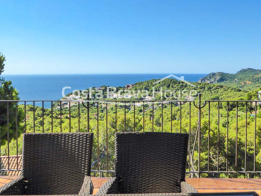 12-mediterranean-villa-with-pool-and-sea-views-for-sale-in-tamariu
