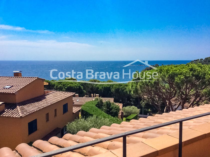 22-semi-detached-house-with-sea-views-and-pool-in-calella-palafrugell-golfet-beach-area
