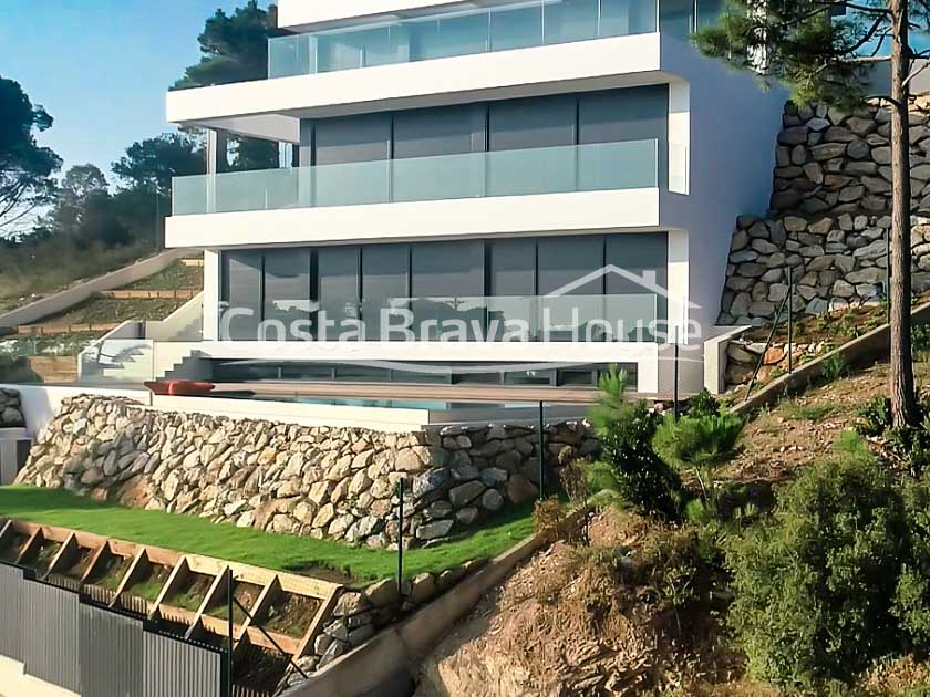 14-spectacular-luxury-villa-with-sea-views-and-pool-in-begur