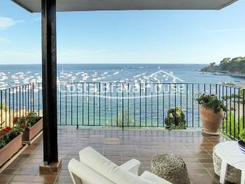 Very exclusive property on the seafront in Calella de Palafrugell, with stunning views over the bay and garage for 2 cars